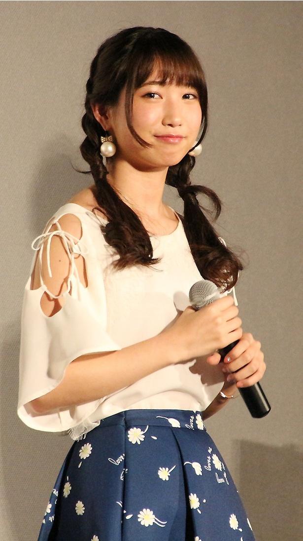 エンディング曲「友達ごっこ」を書き下ろした上野優華は、「オープニングの天月さんの曲がテンポ感がある曲だったので、エンディングはしっとりとしたバラードに」と話す