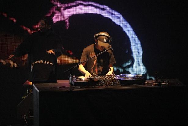 「BREAK OUT祭 2017」で、THE RAMPAGE from EXILE TRIBEメンバーの浦川翔平がDJプレイを披露する