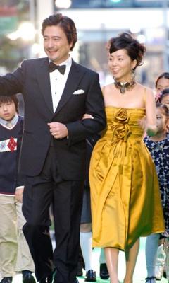 オープニングイベント司会の久保純子(36)とジョン・カビラ。英語での進行はさすが!の一言