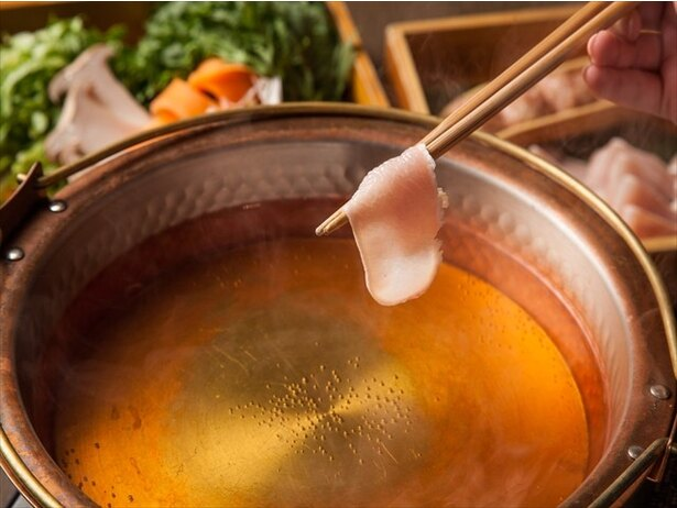 さかえやの黄金鍋(1690円)。提供は高田馬場總本店、恵比寿本店のみとなる