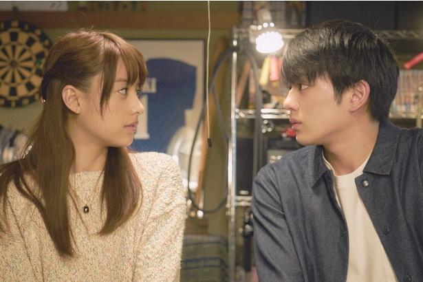 もも(山本)は中学生の時からの憧れの存在であったとーじ(真剣)と順調な交際を続けていくが…
