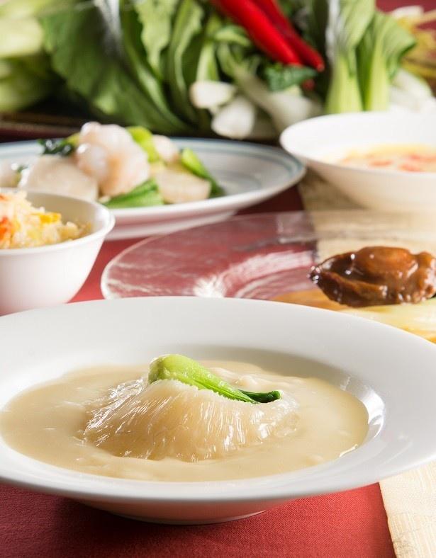 リーガロイヤルホテル東京は5月1日(月)から6月30日(金)まで、「初夏に味わう海の幸フェア」を開催中だ