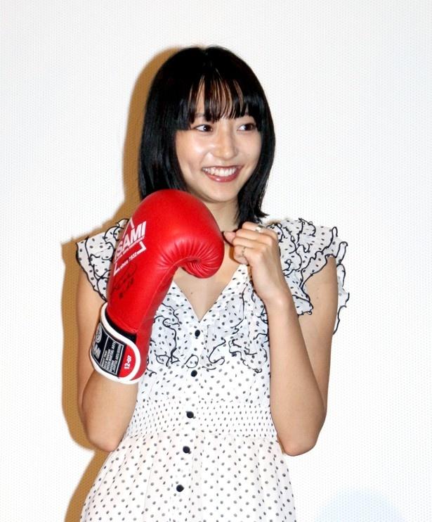 武田はボクシンググローブを着けると、自然とファイティングポーズに