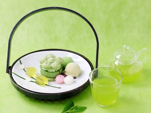 「初夏の花籠 —宇治新茶を添えて—」(1350円)
