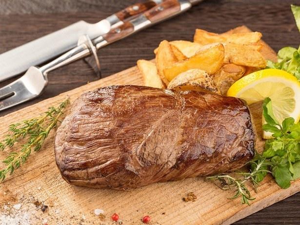 【写真を見る】「馬肉の1ポンドステーキ」
