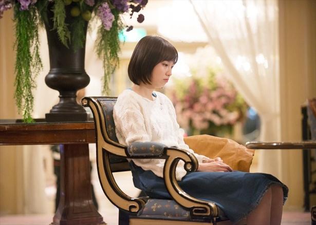 【写真を見る】 飯豊まりえが渡部篤郎と恋愛関係に!?