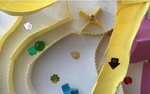 かさばる紙ものNo1.の子どもの立体作品。これ、どう整理する?