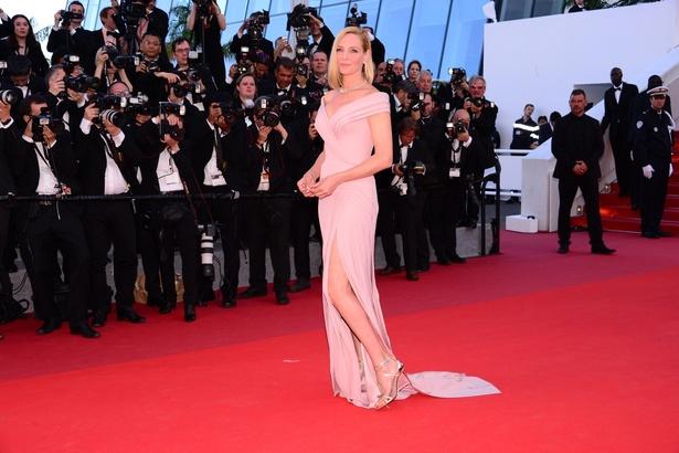 アトリエ・ヴェルサーチのドレスがよくお似合い