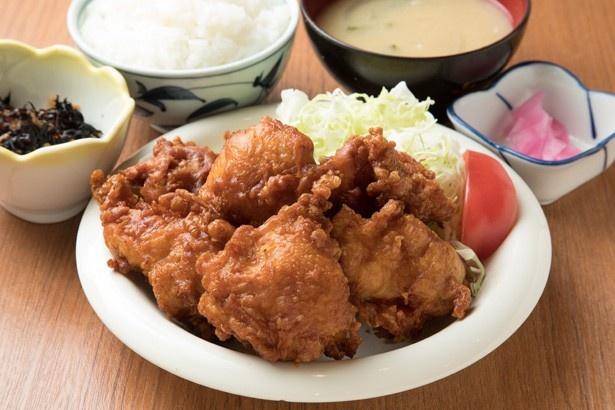 ボリューム満点の「ザンギ定食(6個入り)」 750円
