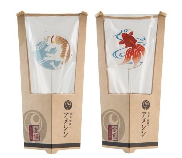 浅草飴細工アメシンの「うちわ飴」(各600円)は涼しげなデザインでこれからの季節におすすめ