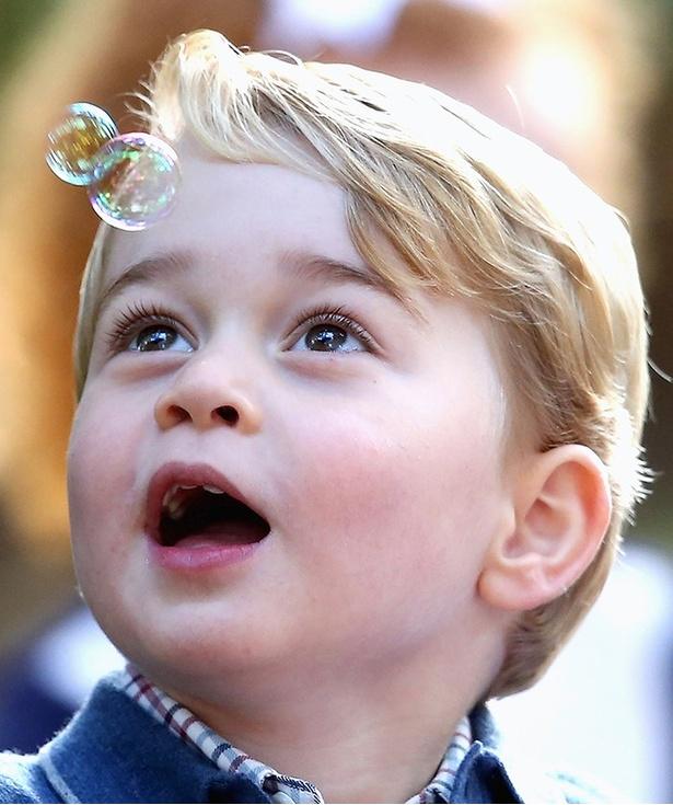ウィリアム王子とキャリン妃の第一子ジョージ王子