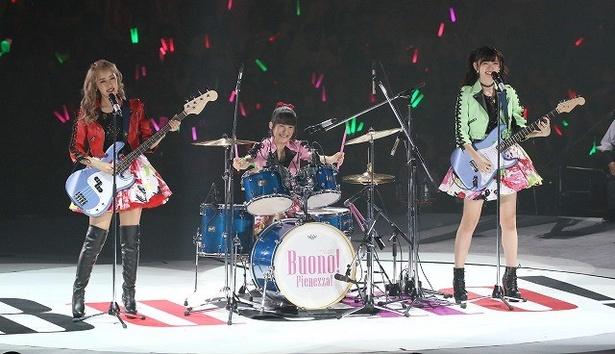"""Buono!バンドも久々に結成。嗣永は「前よりは上手になってたよね!」と""""ももち節""""で自画自賛"""