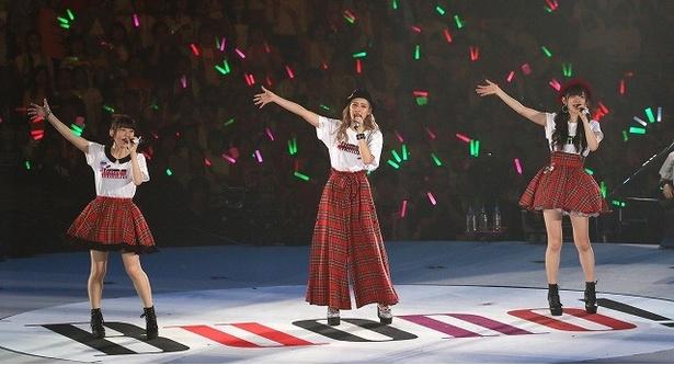 デビュー曲から人気曲「初恋サイダー」まで、ライブは3時間半に及んだ