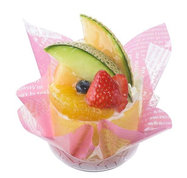 「旬の贅沢フルーツロール」(540円)