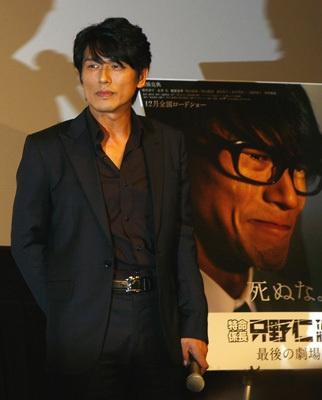 「特命係長 只野仁 最後の劇場版」の舞台挨拶では、高橋克典がお色気シーンなどの爆笑コメントを連発