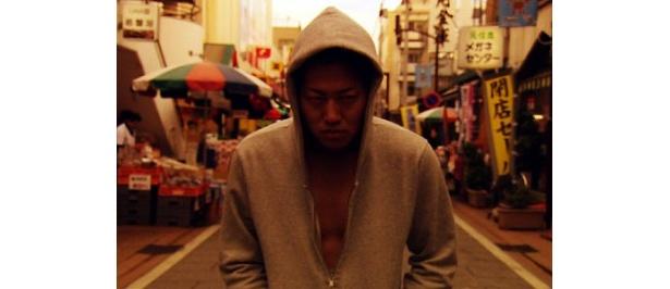 『クローズZERO』(07)の遠藤要が初主演を務める