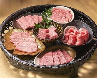焼肉店「薩摩 牛の蔵」の希少部位盛り合わせ
