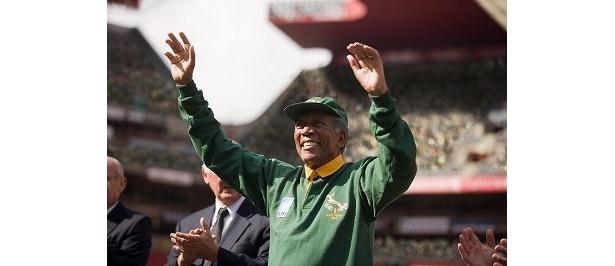 ネルソン・マンデラ南アフリカ大統領を演じるモーガン・フリーマン