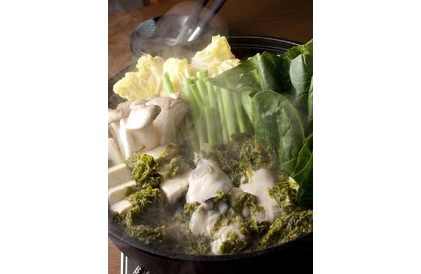 磯の香りとミルクのベストコラボ「牡蠣と青さ海苔のミルク鍋」(横浜駅西口「龍馬外伝」)