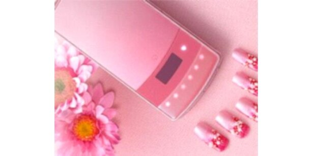 NECではサマンサタバサとのコラボケータイも発売(「N-01B」Eternity Pink)