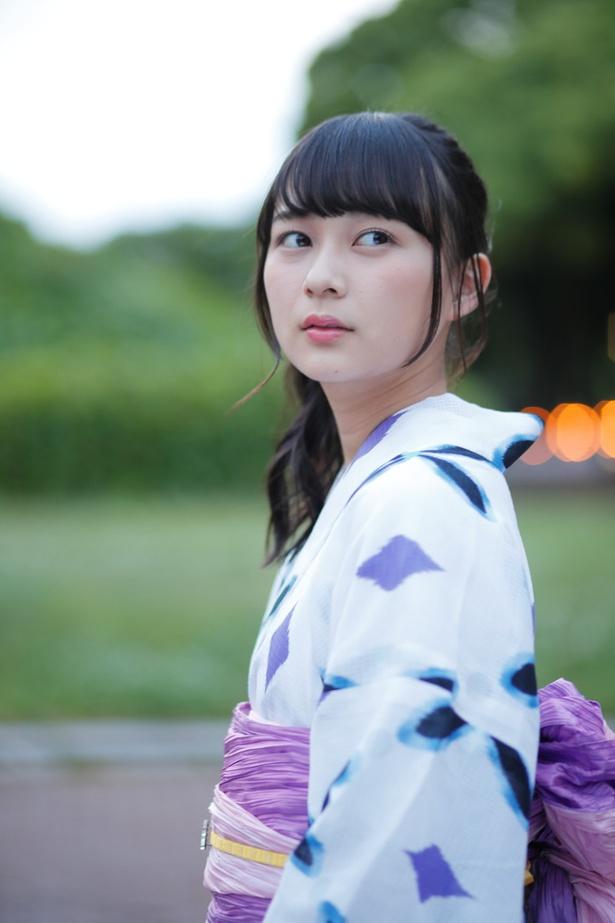 鈴木絢音の着物画像