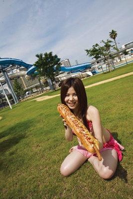 「デカパドッグ」は、フランスパンのバゲット1本分!1日20本(土日祝は50本)の限定販売