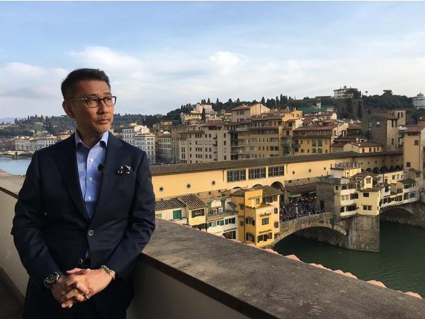 【写真を見る】歴史を感じる町、イタリア・フィレンツェを訪れた中井