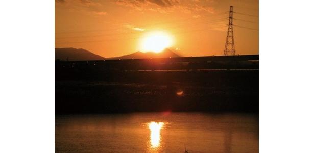 日野駅近辺では、多摩モノレールの鉄道橋と都道149号線が並走する、立日橋(たっぴばし)へ。予想日時は12/5(土)〜8(火)の16:08ごろ