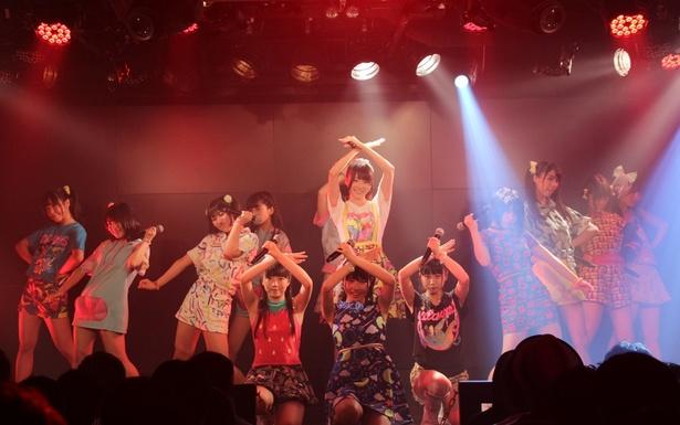 """虹のコンキスタドールが定期公演で、9月5日(火)発売のメジャー1stトリプルA面シングルから、'17年の""""夏曲""""となる「キミは無邪気な夏の女王―」を初披露した"""