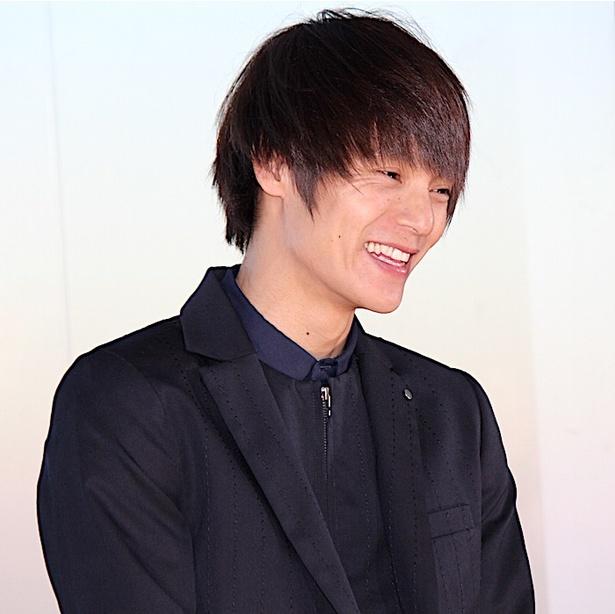 【写真を見る】窪田正孝、「恥ずかしい!」と笑顔!