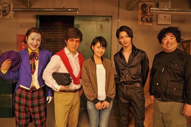 横浜流星が初挑戦のコントで華麗なるアクションを披露!(写真左からムロツヨシ、内村光良、葵わかな、横浜、塚地武雅)