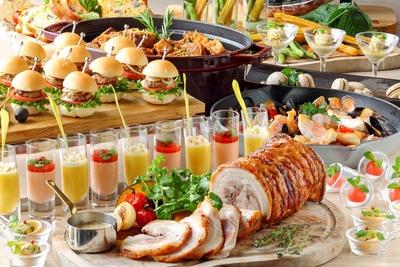 ビュッフェにはフォトジェニックな料理が並ぶ。写真は7・8月のメニュー(イメージ)