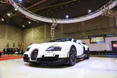 ブガッティ ヴェイロン グランスポーツ ヴィテッセ。価格は3億円超!