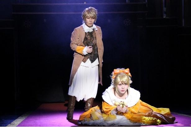 リリアンヌの召使を演じるのは、声優の山本和臣。滅びゆく王国と運命に翻弄された、姉弟の絆が描かれる