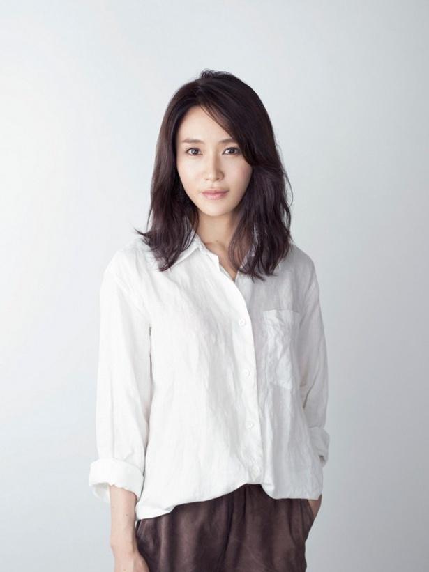 カンナ(渡辺直美)が働くアパレル会社の先輩・片岡美香を山口紗弥加が演じる