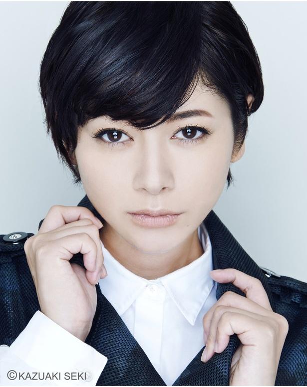 真木よう子は新人読者モデルになる主婦・宮地奈央を演じる