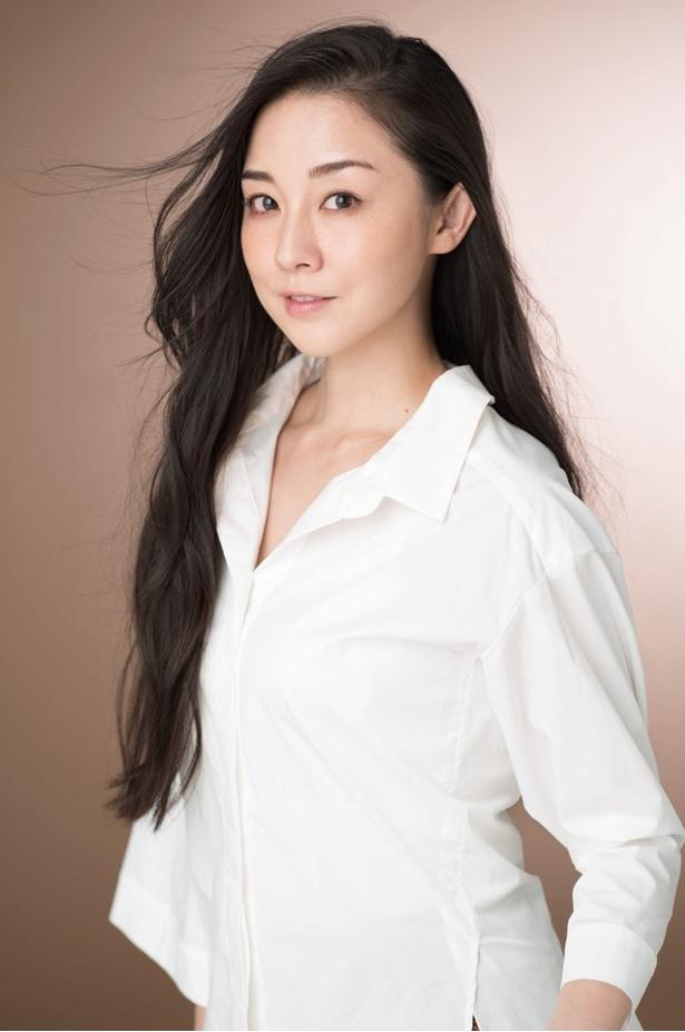 ファッションライターの沖田江里を演じる伊藤歩