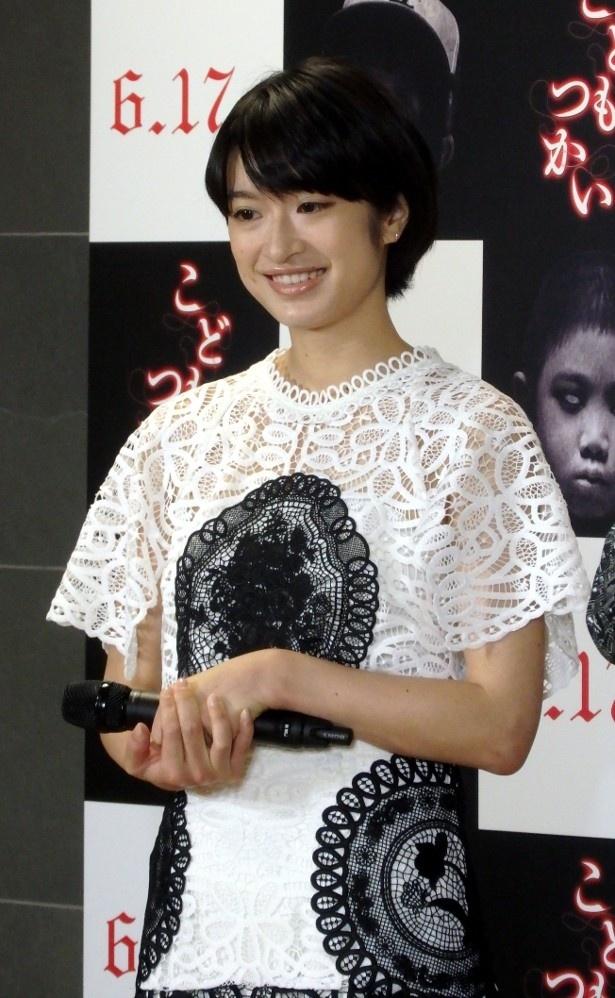 新人記者・駿也(有岡)の恋人の保育士として働く尚美を演じる門脇