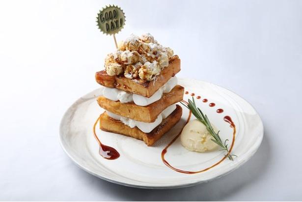 「キャラメルポップコーン」は、マシュマロ、クリームチーズをサンドし、キャラメルポップコーンをトッピング