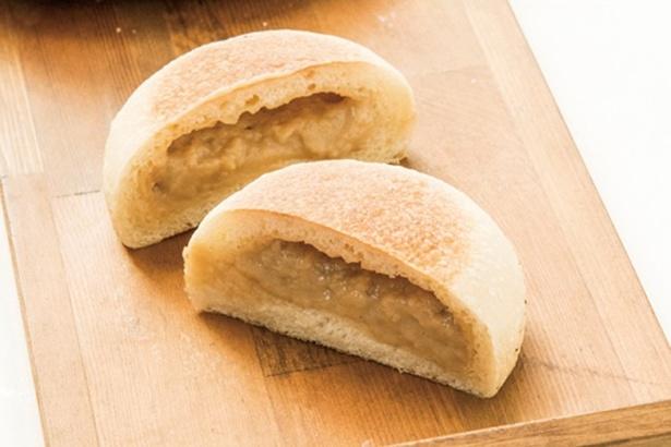 豆乳と黒糖のクリームパン(150円)は、有機豆乳と奄美の黒糖クリームがぎっしり