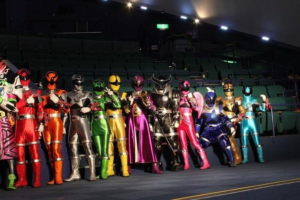 「宇宙戦隊キュウレンジャー」の11人の戦士たち