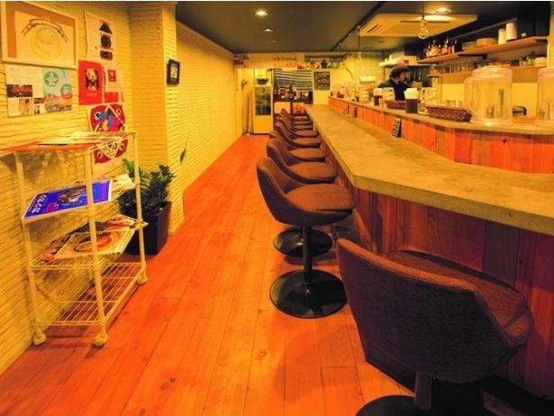 USED感が漂う店内は、カウンター席のみだが居酒屋がスタートするころにはテーブル席が設けられる予定
