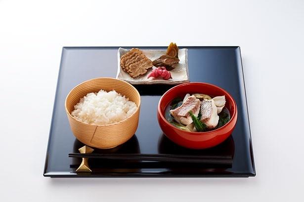 監修:料亭 濱乃家 女将 竹島仁子 おとも:彩りがっこづくし 汁もの:鯛の塩魚汁かやき
