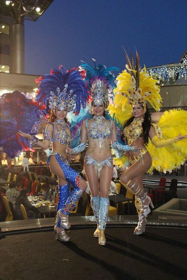 サンバ、ベリーダンス、フラが曜日ごとに開催