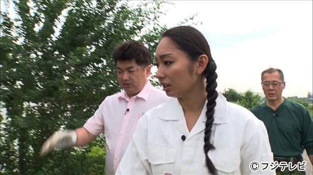 6月14日(水)に放送される「おたすけJAPAN」(夜7.00-9.54、フジ系)でタイの巨大危険生物の捕獲に挑む安藤美姫