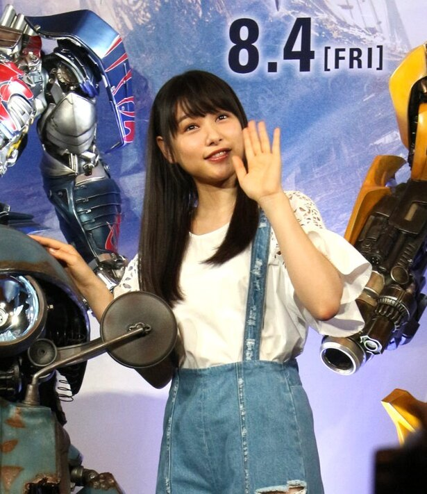 「ぜひ岡山を案内したいです」とイザベラの来日を期待しているという桜井日奈子