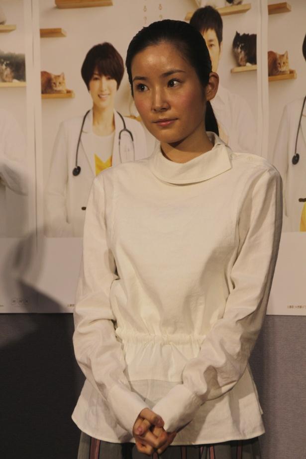 第1話「身代わりのブランケット・キャット」に出演する蓮佛美沙子