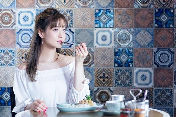 がっつり食べたい時のお決まりはカオマンガイという野崎萌香