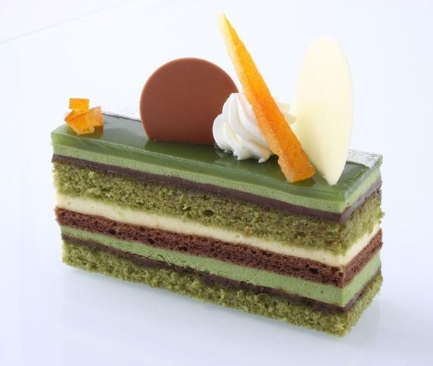 「アンテノール」の「西尾抹茶とオレンジのオペラ」(594円)