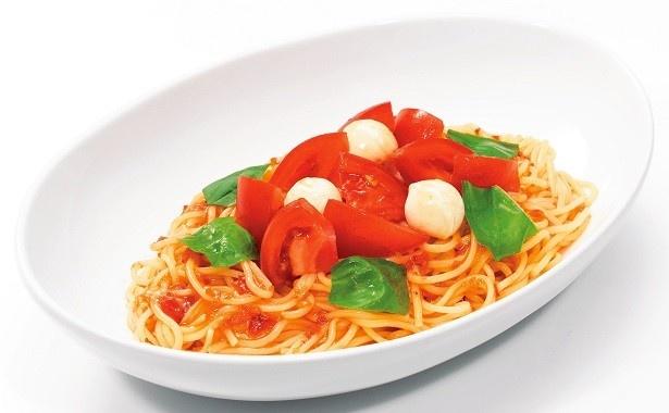「トマトとモッツァレラのサラダパスタ」